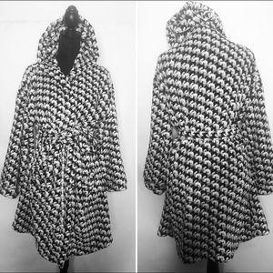 Vera Bradley woman's robe nwot